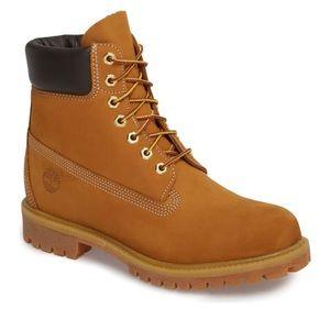 Timberland Men's tan boots size 6M